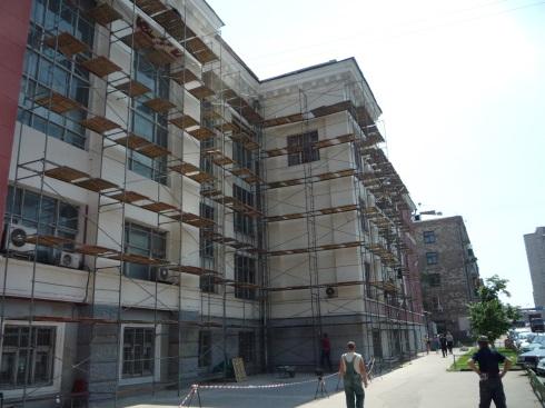 Отделка фасадов углов частных домов фото и