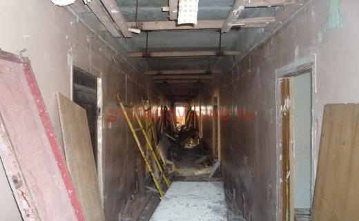 Демонтажные работы в здании МЖД по адресу: г. Москва, ул. Красной Сосны, дом 2,стр.2.(4-этаж)